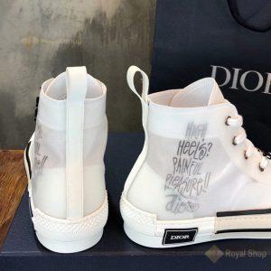 Gót giày và họa tiết chữ được in phun đẹp mắt DIG4209