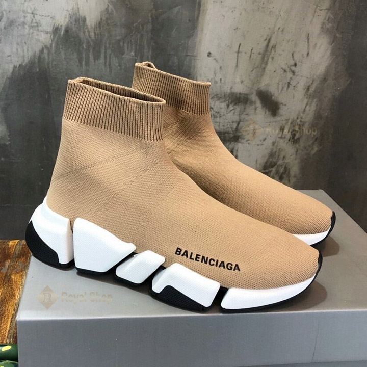 Mặt bên của giày BLG4001