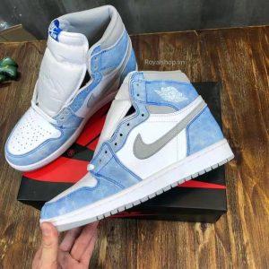 Cạnh bên của giày nam Jordan 5501