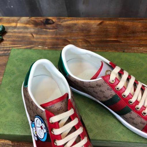 Bên trong của giày nam sneaker siêu cấp