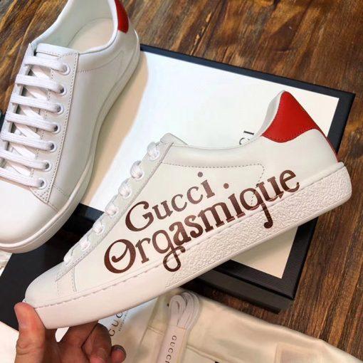 Các chi tiết mặt trên giày được làm tinh xảo và đẹp mắt