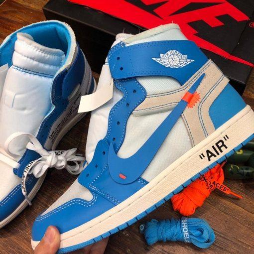 Chi tiết trên giày được làm hoàn chỉnh và đẹp mắt