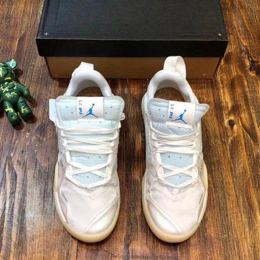 Giày unisex Jordan được giới trẻ ưa chuộng