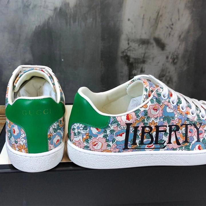 Gót của giày Gucci sneaker nam nữ