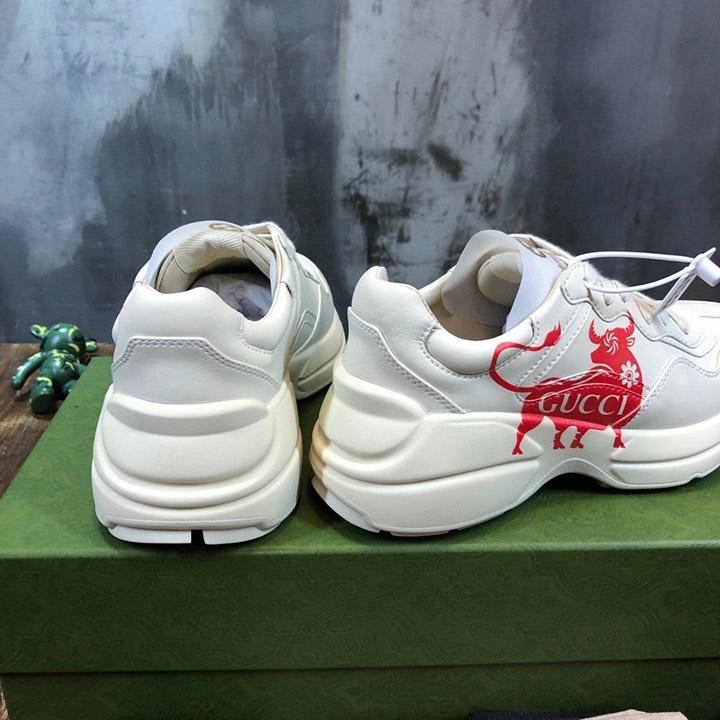 Gót của giày Gucci