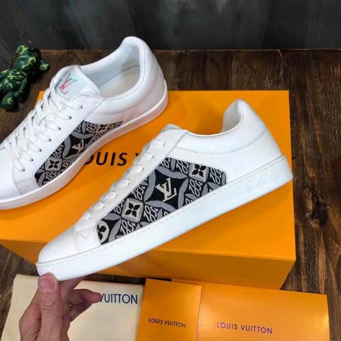 Royalshop.vn - Địa chỉ mua giày sneaker nam LV siêu cấp uy tín tại Hà Nội